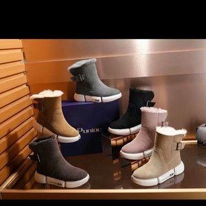Women and kids shoe
